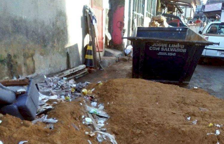 Moradores flagram entulho e lixo irresponsável  em São Marcos.