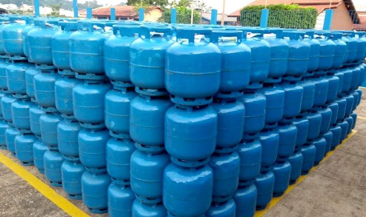 Petrobrás reduz a partir de hoje 10% o valor de botijão de gás nas refinarias.