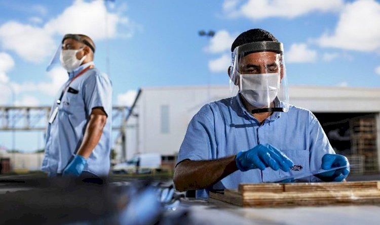 Ford entrega 35 mil máscaras para combate ao COVID-19 na Bahia.