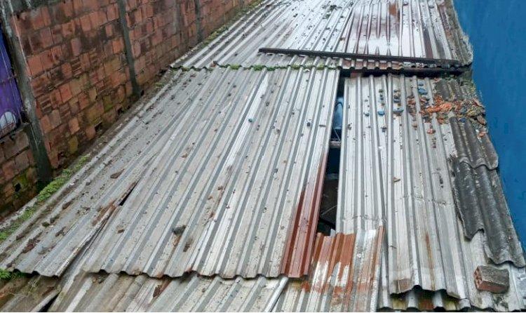 Moradores sofrem com surto de Dengue e Chikungunya no bairro.