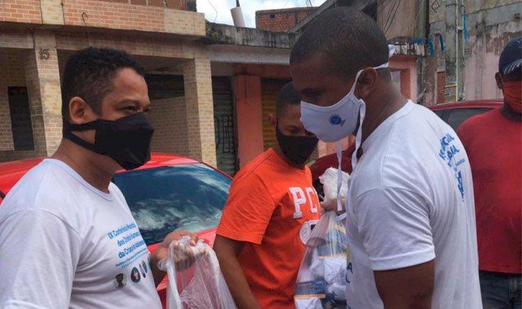 Prefeitura Bairro faz ação de distribuição de máscaras gratuitas.