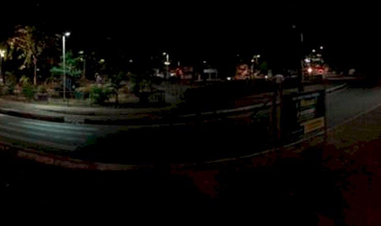 Denúncia - Iluminação precária espanta frequentadores da praça de São Marcos, na rótula de Canabrava.