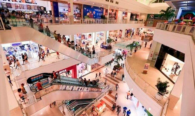 Shoppings e lojas poderão ter horário de atendimento ampliado por conta das festas de fim de ano.