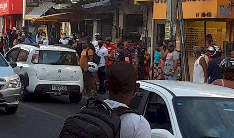 A ausência de quebra-molas e falta de estrutura nos pontos de ônibus, tem preocupado cada vez mais os moradores locais.