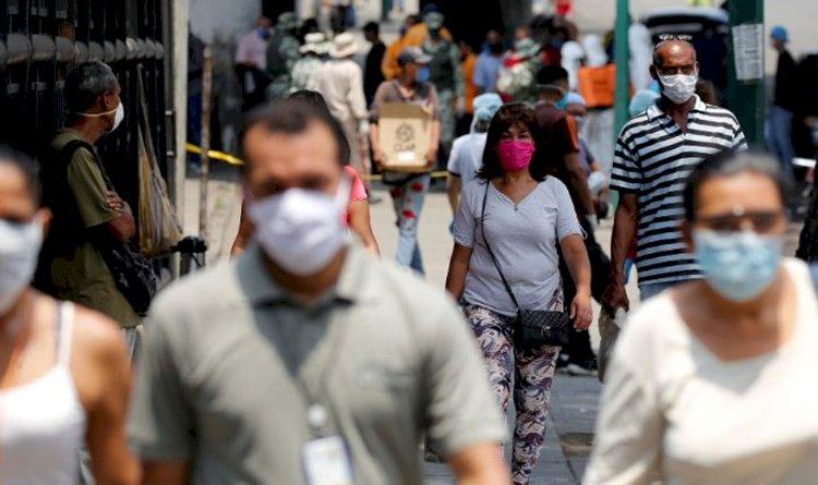 Câmara aprova uso obrigatório de máscara nos locais públicos em todo o país.